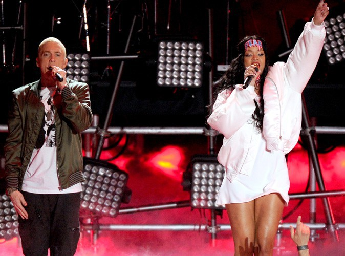 MTV Movie Awards 2014 : Rihanna et Eminem : les deux Monsters ont enflamm� la sc�ne du Nokia Theater !