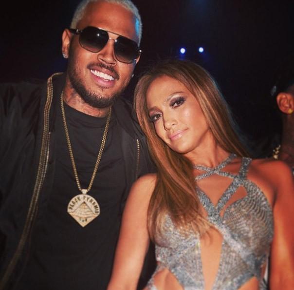 Jennifer Lopez à la cérémonie des MTV Video Music Awards le 24 août 2014 avec Chris Brown