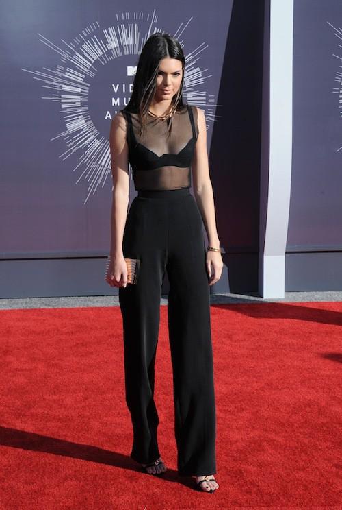 Kendall Jenner sexy lors des MTV VMA 2014