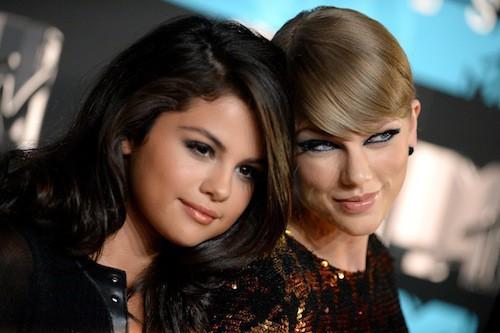Taylor Swift et Selena Gomez aux MTV VMA 2015, le 30 août 2015