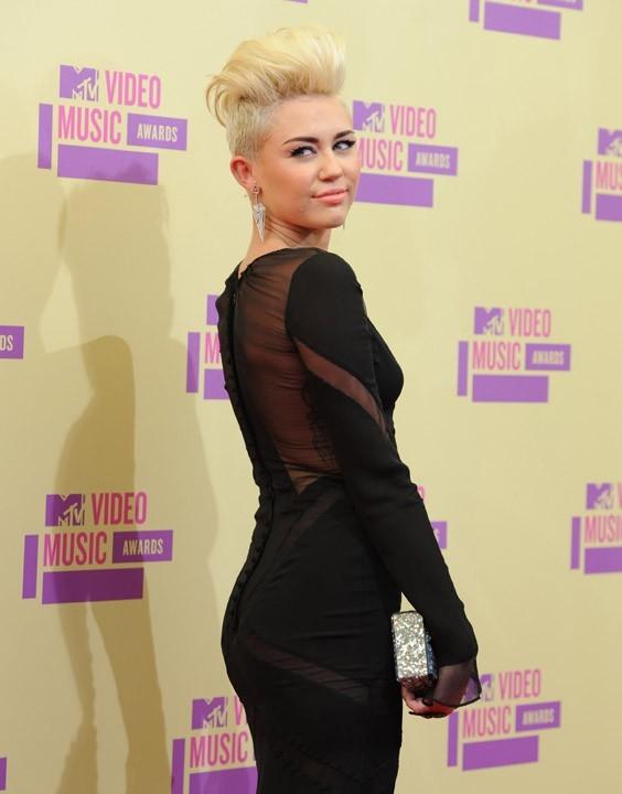 Miley Cyrus aux MTV VMA's 2012 à Los Angeles le 6 septembre 2012