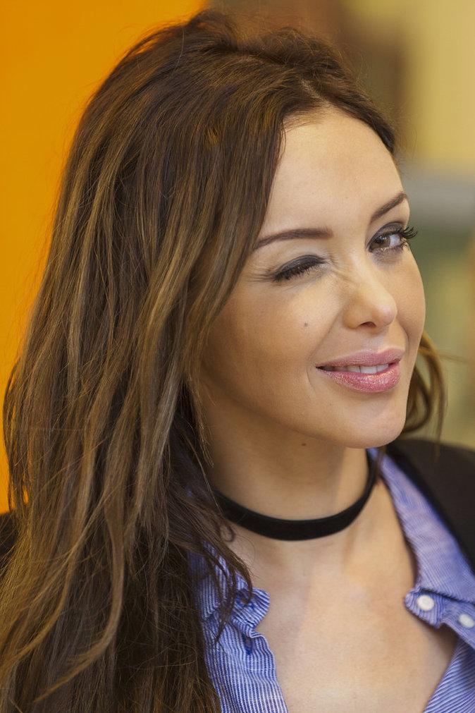 Photos : Nabilla surprend Coralie et Tarek ensemble... chez sa mère !