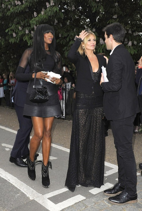 Naomi Campbell et Kate Moss à la Serpentine Gallery Summer Party organisée à Londres le 26 juin 2013