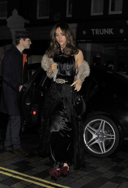 Suki Waterhouse : la girlfriend de Bradley Cooper à l'anniversaire de Mario Testino à Londres, le 29 octobre 2014