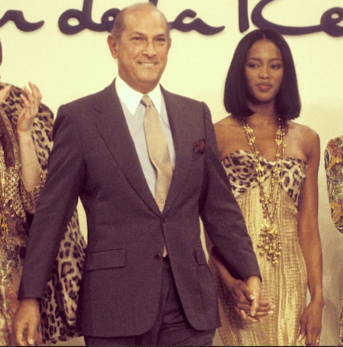 Naomi Campbell rend hommage à Oscar de la Renta