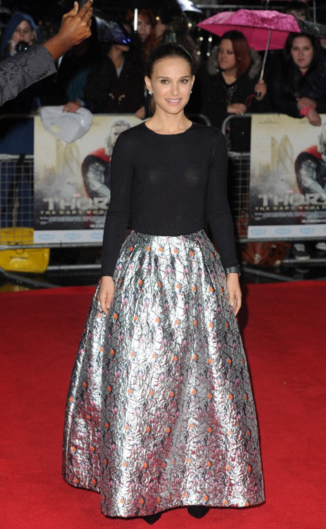 Natalie Portman à l'avant-première de Thor, le monde des ténèbres à Londres le 22 octobre 2013