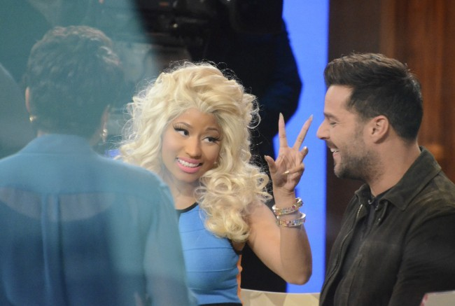 Nicki Minaj et Ricky Martin sur le plateau de l'émission Good Morning America à New York, le 15 février 2012.
