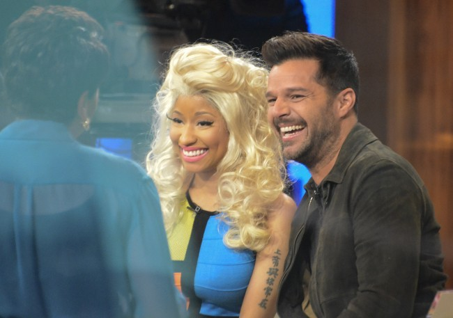 Nicki Minaj et Ricky Martin sur le plateau de l'émission Good Morning America à New York, le 15 février 2012.