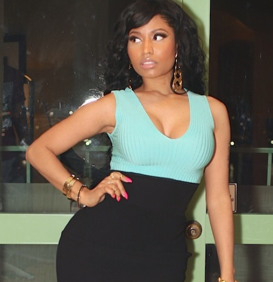 "Photos : Nicki Minaj : ""J'adore mon look plus naturel !"""