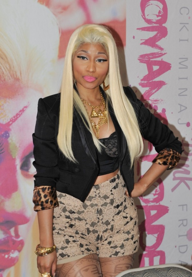 "Nicki Minaj en promo pour son nouvel album ""Pink Friday : Roman Reloaded"" à Philadelphie, le 4 avril 2012."