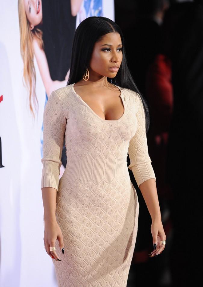 Photos : Nicki Minaj : obus en vue, en McQueen, la rappeuse est la reine du décolleté sur red carpet !