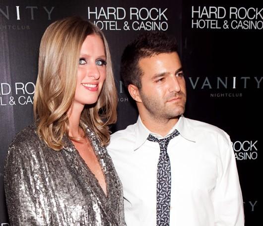 Nicky Hilton et David Katzenberg au Vanity Nightclub au Hard Rock Hotel & Casino à Las Vegas, le 20 mars 2010.