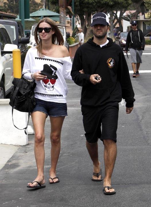 Nicky Hilton et David Katzenberg en balade à Malibu, le 3 juillet 2010.