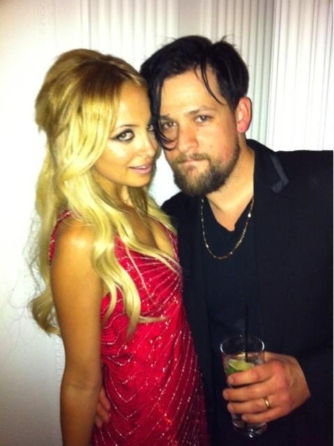 Nicole Richie lors de sa soirée d'anniversaire à Beverly Hills, en compagnie de son mari Joel Madden, le 21 septembre 2011.