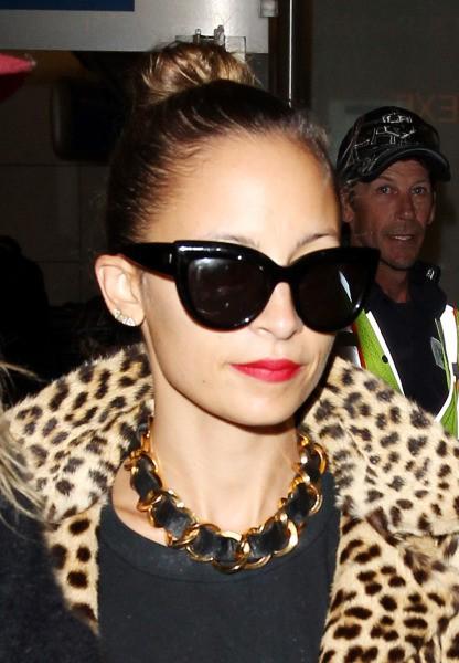 Nicole Richie à l'aéroport de Los Angeles, le 18 novembre 2013.