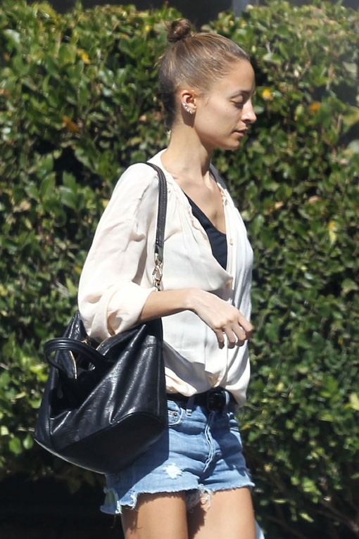 Nicole Richie à la sortie d'une clinique spécialisée dans la nutrition à Los Angeles le 21 février 2014