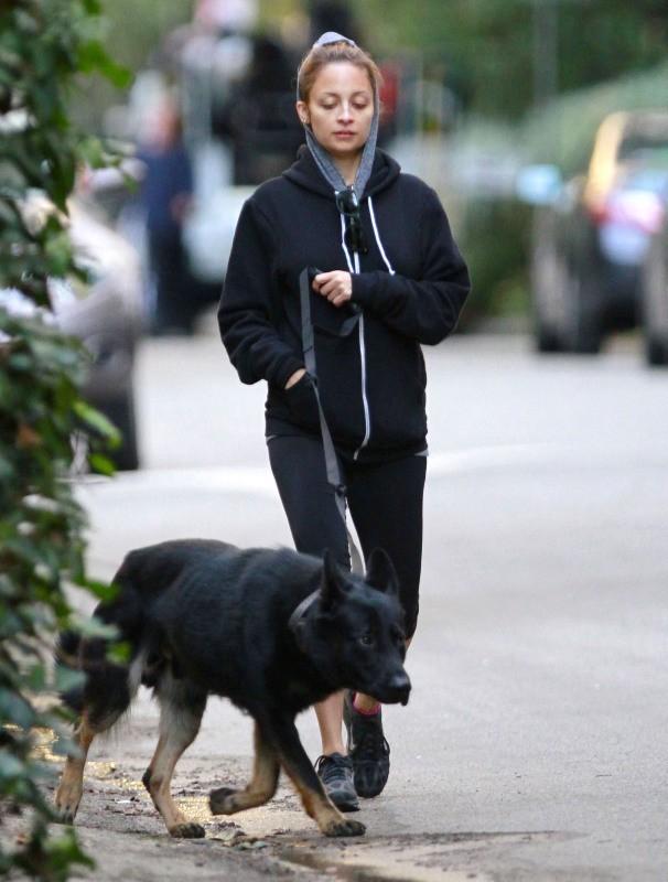 Nicole Richie le 10 novembre 2012 dans les rues de Los Angeles
