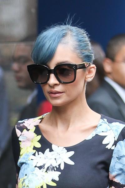 Nicole Richie et se cheveux bleus, à New York le 7 juillet 2014