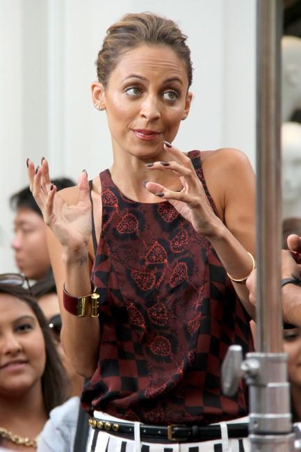 Nicole Richie en promo dans l'émission Extra à Los Angeles, le 10 juillet 2013.