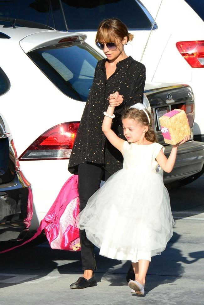 Nicole Richie en famille à Los Angeles le 20 juin 2013