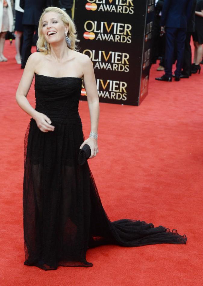 Photos : Nicole Scherzinger : concours de glam avec Gillian Anderson aux Olivier Awards !