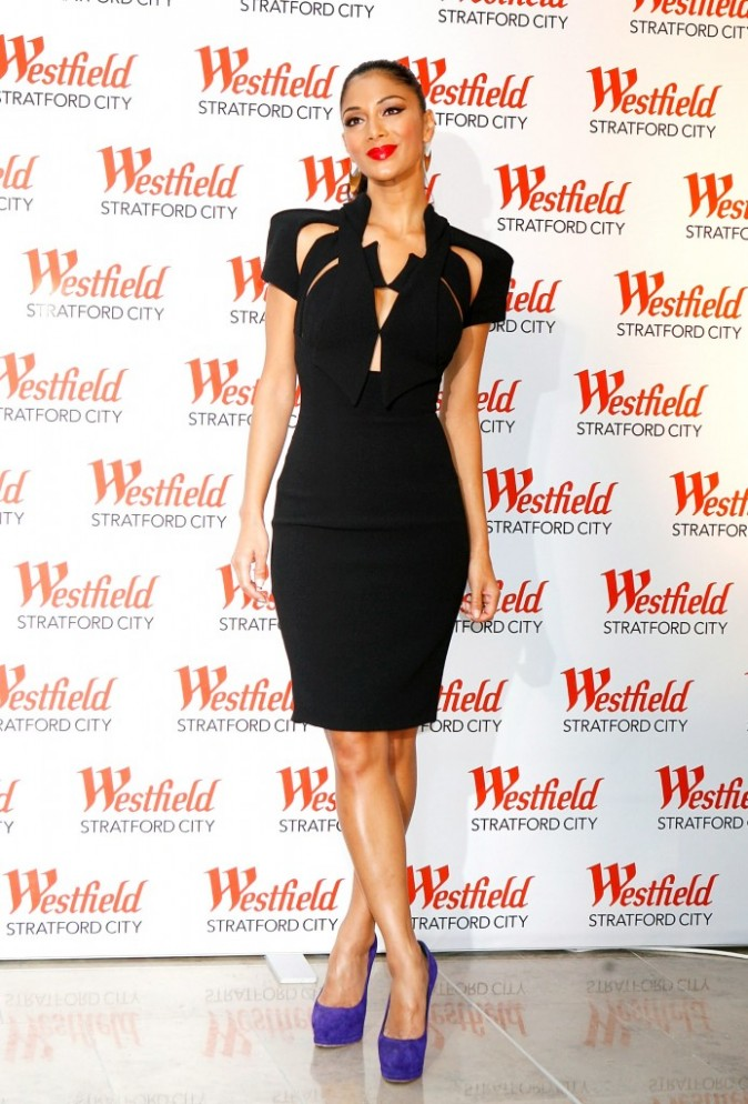 Nicole Scherzinger lors de l'inauguration du centre commercial Westfield Stratford City à Londres, le 13 septembre 2011.