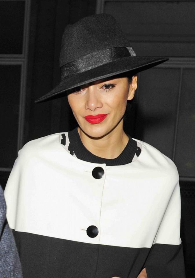 Nicole Scherzinger : essaye t-elle de voler le look de Geneviève de Fontenay ?