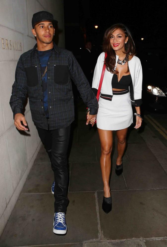 Nicole Scherzinger et Lewis Hamilton : ultra stylés pour une dîner en amoureux !
