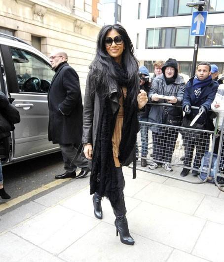 Même emmitouflée dans un gros manteau, elle est superbe !