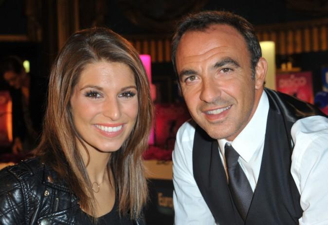Laury Thilleman et Nikos Aliagas lors de la première du musical D.I.S.C.O. à Paris, le 10 octobre 2013.