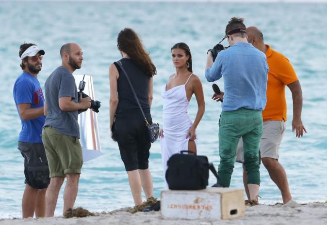 Nina Agdal en shooting à Miami, le 12 novembre 2013.