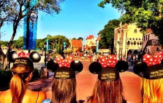 Les filles et leurs chapeaux