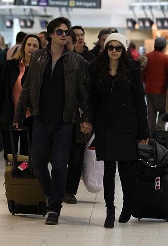 Main dans la main à l'aéroport de Toronto, le 31 mars 2013, leur dernière apparition en couple...