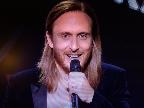David Guetta vient cherchez les deux prix de son amie, Sia !