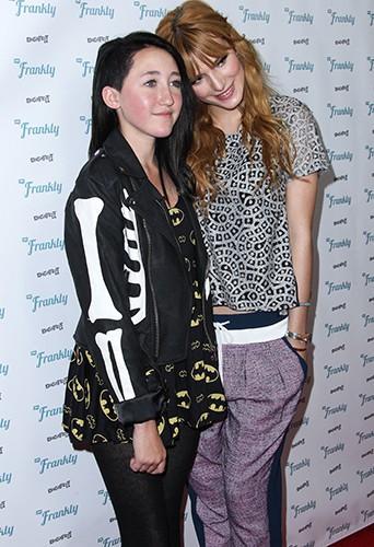Noah Cyrus et Bella Thorne à Hollywood le 14 décembre 2013
