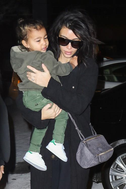 Photos : North West : ultra stylée pour voler la vedette à Kim Kardashian !
