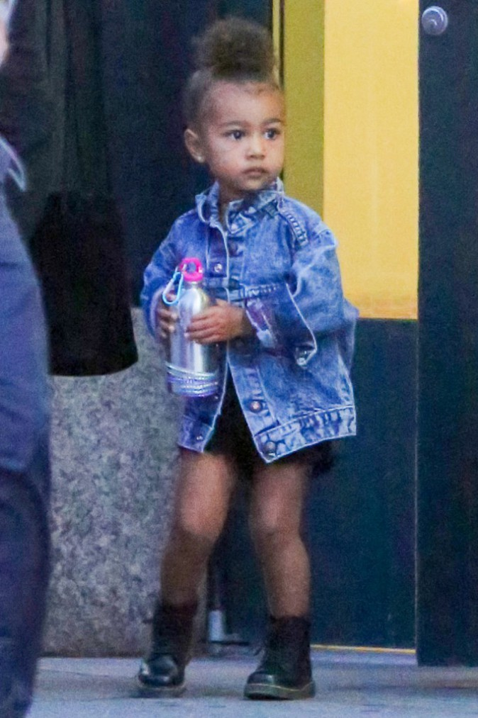 Stupendous Photos North West Une Fashionista Craquante Qui A Deja Tout D Hairstyle Inspiration Daily Dogsangcom