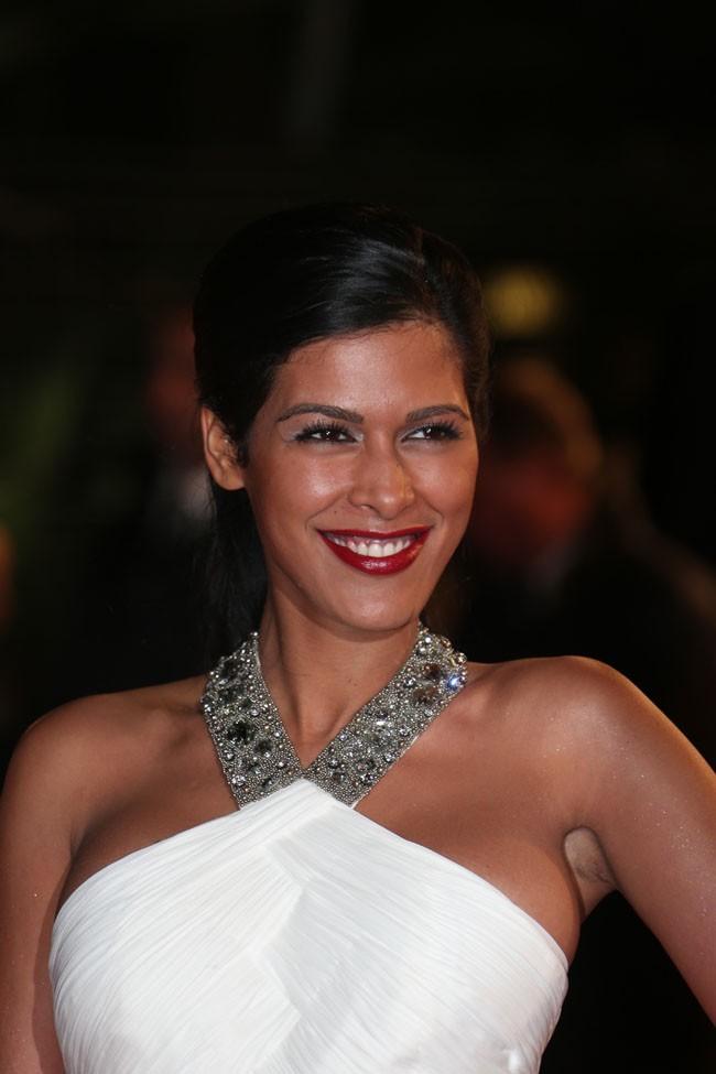 Ayem Nour sur le tapis rouge des NRJ Music Awards, à Cannes,  le 26 janvier 2013