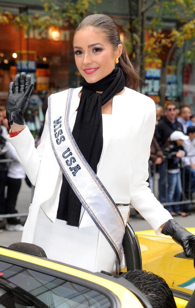 Olivia Culpo célèbre son titre de Miss USA en 2012
