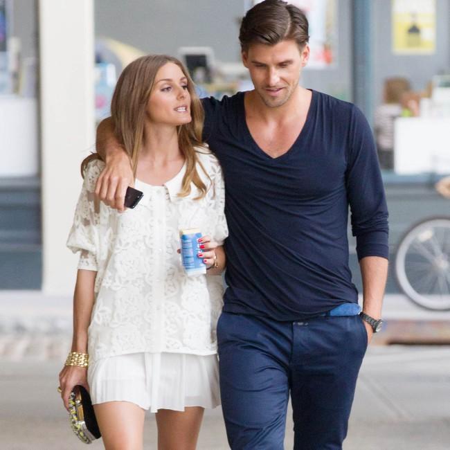 """Olivia Palermo et Johannes Huebl se rendant à la projection de """"Girl Most Likely"""" à New York, le 15 juillet 2013."""