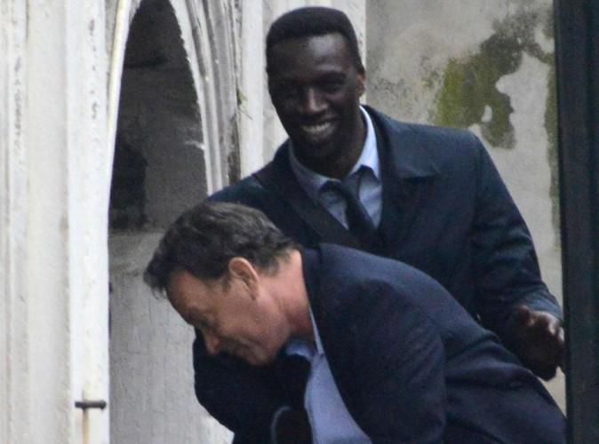 Omar Sy détendu pour rejoindre Tom Hanks sur le tournage d'Inferno !
