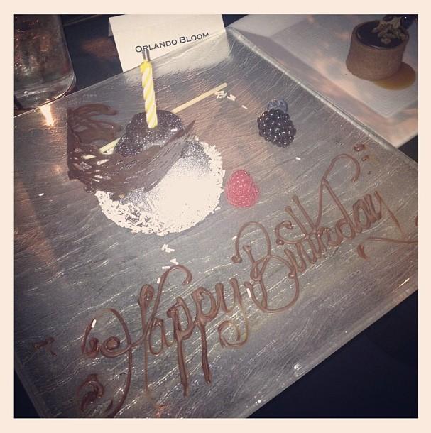 Miranda Kerr et Nina Dobrev fêtent l'anniversaire d'Orlando Bloom le 13 janvier 2013