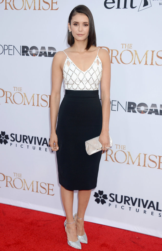 L'actrice Nina Dobrev sur le tapis rouge lors de l'avant-première du film The Promise le 12/04/17 à Los Angeles