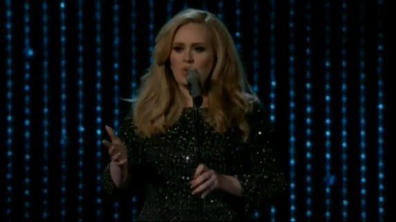 Adele interprète Skyfall