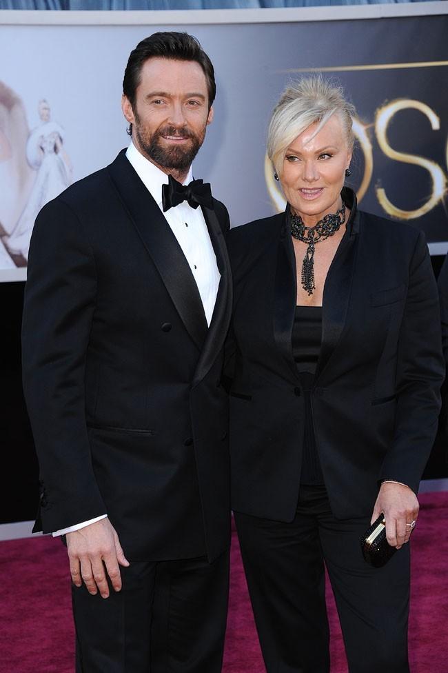 Hugh Jackman et sa femme Deborra-Lee Furness sur le tapis rouge des Oscars à Los Angeles le 24 février 2013