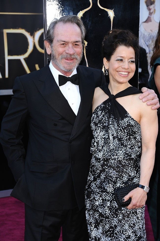 Tommy Lee Jones et sa femme Dawn Laurel sur le tapis rouge des Oscars à Los Angeles le 24 février 2013