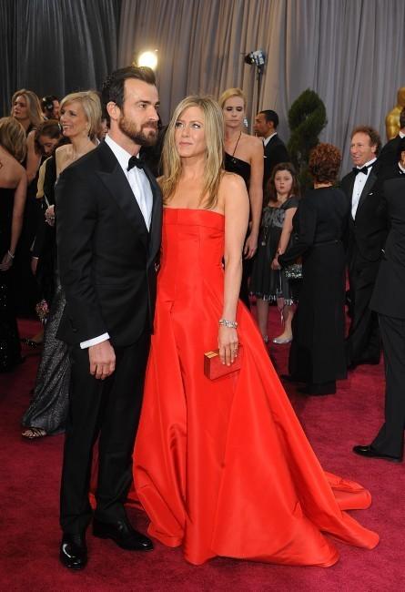 Justin Theroux et Jennifer Aniston lors de la 85e cérémonie des Oscars à Los Angeles, le 24 février 2013.