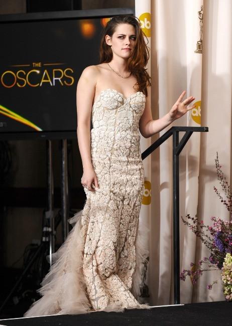 Kristen Stewart lors de la 85e cérémonie des Oscars à Los Angeles, le 24 février 2013.