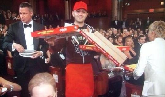 Brad Pitt, pressé de savourer sa pizza !
