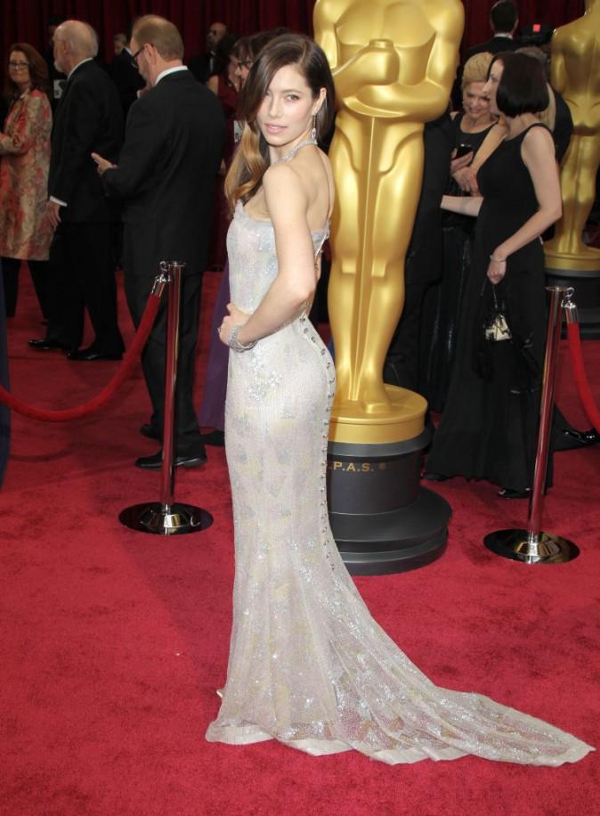 Oscars 2014 : Jessica Biel : magnifique... Mais toujours aussi seule sur tapis rouge !
